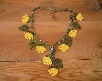 yellow rose necklace, crochet