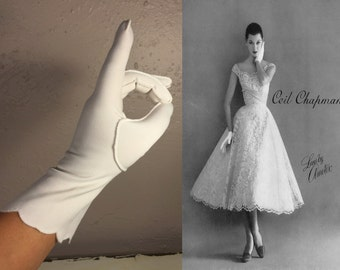Oh the Shock of It All - Vintage 1950s White Nylon Mid Arm Scalloped Button Detail Gloves - 7/7.5