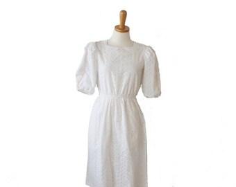 50% half off sale // Vintage 70s Western White Eyelet Dress - Women S, short sleeve, Seneca, rockabilly