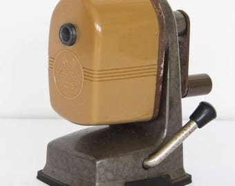 Vintage Apsco Vacu Base Pencil Sharpener