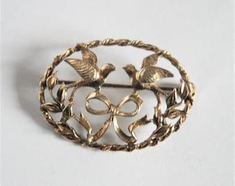 Vintage sterling silver and gold bird brooch. 2 birds brooch.  Gold vermeil brooch