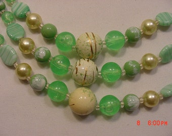 Vintage 3 Strand / Tier Green & Gold Bead Necklace  16 - 788