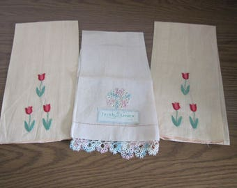 3 Vintage Linen Hand Towels With Tulip Floral Embroiderery & Tatted Edge Decoration Circa 1960's