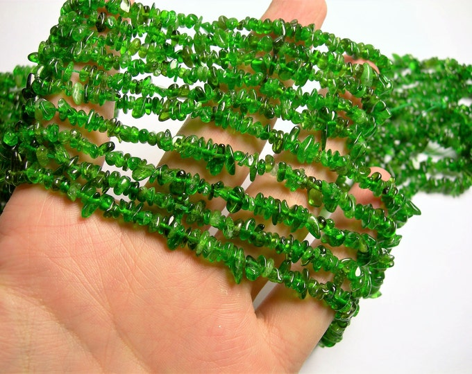 Chrome Diopside - 4mm chip stone  - 16 inch strand - Green Diopside - PSC336