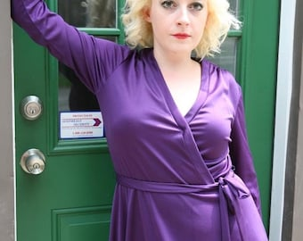 25% OFF SALE Vintage 70s Wrap Dress in Deep Purple: The Maneater Dress
