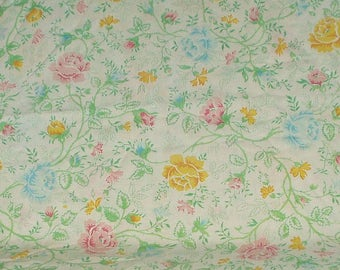 Vintage Pillowcase Pillow Case Single King Floral Pattern Retro Home Decor Reclaimed Bedding 3172 JC Penney Percale