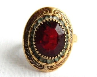 Vintage Victorian Rose Gold Red Garnet Ring - January Birthstone - Size 5