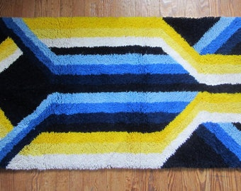 "Vintage Colorful 70's Rectangular Area Rug 53"" x 28"""