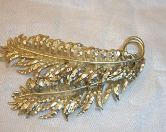 Vintage Large and Beautiful R.S.K Feather Pin Brooch Gold Tone