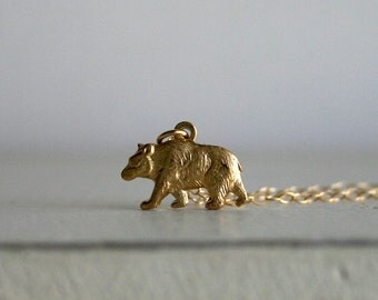 Bear necklace in gold