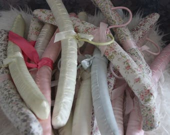 15-Pc Vintage Shabby Chic Pastel and Floral Fabric Padded Hangers