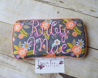READY TO SHIP, Trendy Modern Watercolor Floral Travel Baby Wipe Case, Personalized, Baby Shower Gift, Wipe Holder, Diaper Bag Wipe Clutch