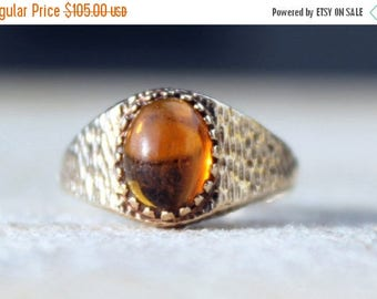 MAYSALE Vintage Ladies Amber Cabochon Solitaire Ring Engagement 1969 Yellow Gold 9ct 9k | FREE SHIPPING | Size P.5 / 8