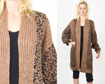 90's ANIMAL BROWN KNIT Long Cardigan. Wooly Oversized Slouchy Ribbed Knit. Tan, Brown and Black Leopard Print Pattern Cardi Size - S/M