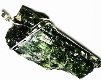 SALE Chrome Diopside Necklace Statement Necklace Crystal (210 ct) Huge Crystal Necklace, Silver Men Jewelry Big Crystal Pendant Gift For Him
