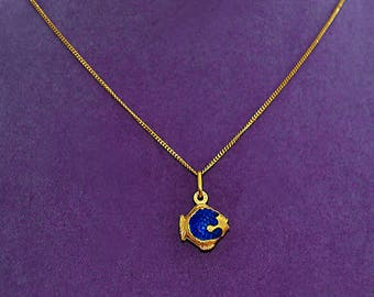 Tiny Vintage FABOR 18k Guilloche Blue Enamel FISH Charm and Chain 14-15.5 ITALY