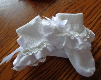 White poly/cotton socks with trim