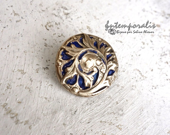 Gold bronze and dark blue resin brooch, OOAK, SABRO03