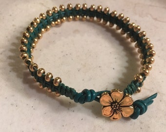 Green Bracelet - Macrame Jewelry - Leather - Fashion - Trendy - Seed Beads - Gold Flower Button