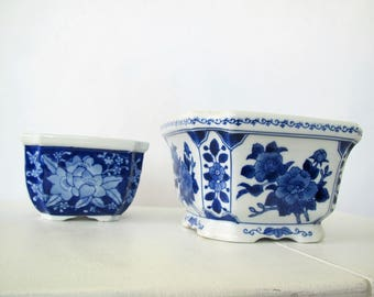 Vintage planter/blue and white/Chinoiserie/floral