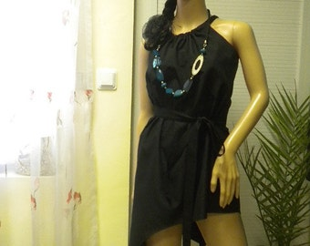 Unconventional and asymmetric ladies tunic made of cotton