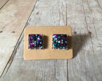 Nickel free!  Gorgeous peacock glitter studs