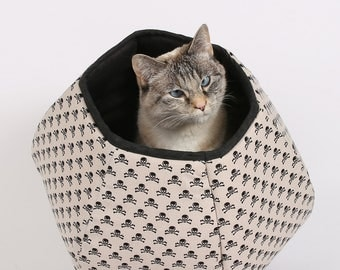 Mini Size Cat Ball in Skulls and Crossbones - A pirate theme pet bed for small cats with big attitudes - bed for kittens