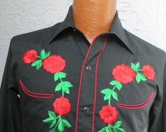 70's Vintage Men's Embroidered Western Shirt small/medium
