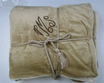 Monogrammed Blanket Throw For Adults, Luxurious Personalized Faux Lambs Wool and SuedeThrow