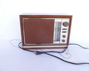 MOD VINTAGE Faux Wood RADIO