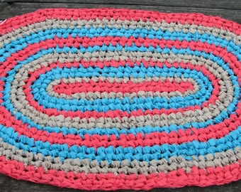Coral Red/Turquoise/Brown Oval Rag Rug