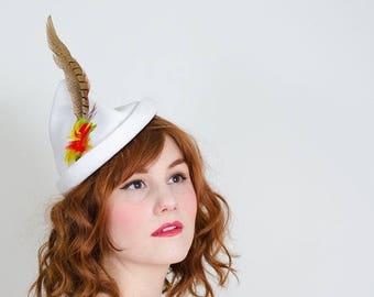 25% OFF SALE / 1940s vintage hat / tilt hat / Valerie Modes