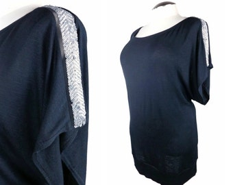 Plus size tunic top / Oversized top with sequins  / Trendy Plus size clothing / sizes: xl - 1x - 2x - 3x