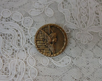 """Antique Metal Button Angel on the Wall, 1"""" Brass, Nice Detail"""