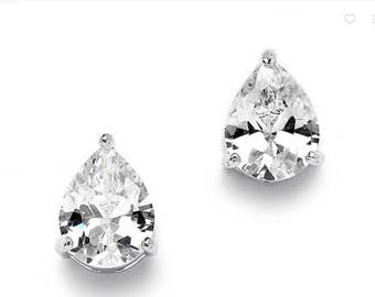 Bridal earrings, Cz Earrings, Gifts for Her, Bridesmaid Earrings, bridesmaid gifts, clear earrings, post earrings Best friend gifts wedding