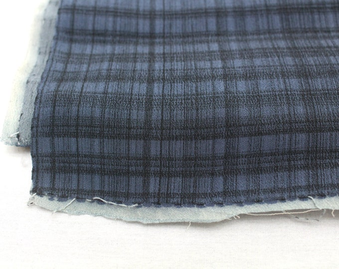 Vintage Japanese Silk Scraps. Artisan Made Hand Dyed Fabric. Kimono Araihari Silk (Ref: 1547E)