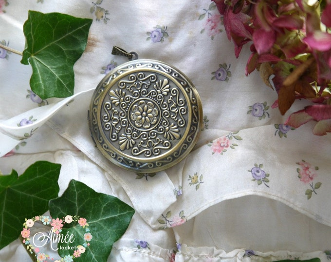 big round antique brass locket, photo locket, victorian style locket, retro locket, vintage bride locket, floral brass locket