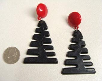 Christmas Tree Earrings. Big Fun 80s Stylized Xmas Tree Earrings. vintage Black & Red Retro Earrings. Plastic Earrings. Pierced Earrings.