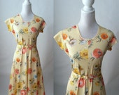 Vintage Late 1970s Early 1980s Yellow Floral Stretchy Belted Dress