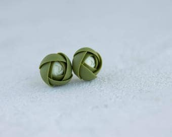 Green Ivory Stud Earrings Wholesale Women Accessory Small Hypoallergenic Handmade Flower Studs Wedding Bridal Mother Gifts Jewelry