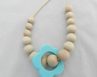 Wooden Bead Teething Necklace with Silicone Flower Ring