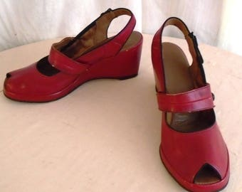 Vintage 1940s Shoes Red Wedgies Sandals Slingback Open Toe