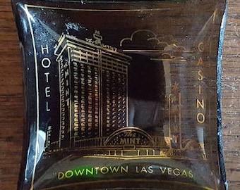 Retro Smoke Glass Tray - The Mint Casino