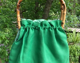 Vintage 70s Green Canvas Purse with Wooden Bamboo Handles and Gingham Print Inside