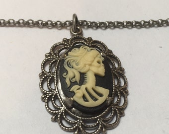 Querida Catrina Necklace - Sugar Skull, Cameo, Día de los Muertos - Great Gift!