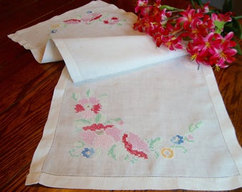 Linen Dresser Scarf Pink and Red Floral Embroidery Vintage Table Runner Table Linens