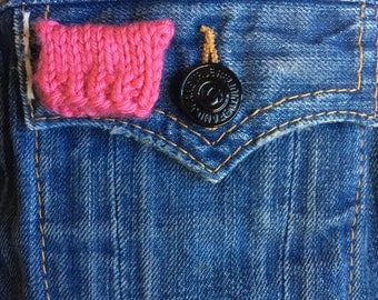 Tiny pussyhat brooch pin