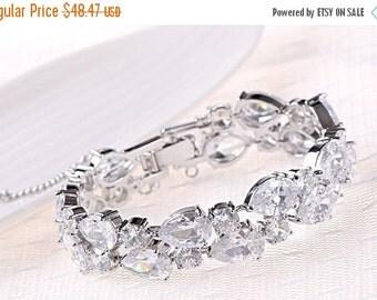Bridal bracelet, Wedding bracelet, bridal jewelry, bridesmaid bracelet, Gold plated Cubic zircon Crystal bracelet, bridesmaid jewelry