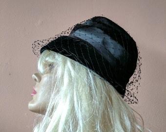 1960s Black Bucket Hat with Veil