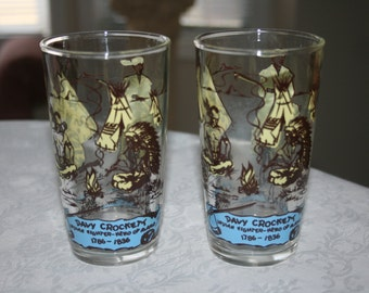 Two 2 Vintage Davy Crockett Glasses Glassware Tumbler Collectible
